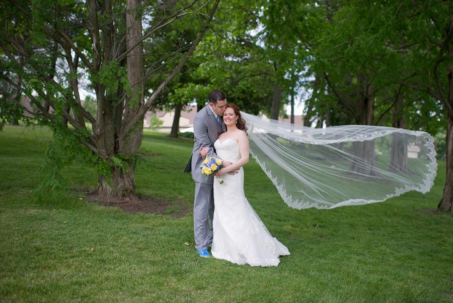Kate & Daniel: photo courtesy of Ayres Photography